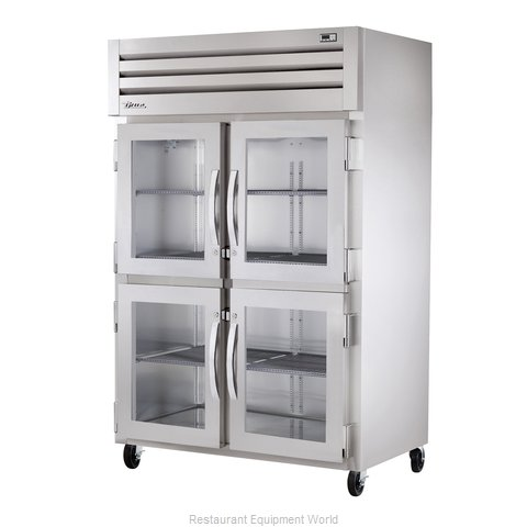 True STR2R-4HG Reach-in Refrigerator 2 sections (Magnified)